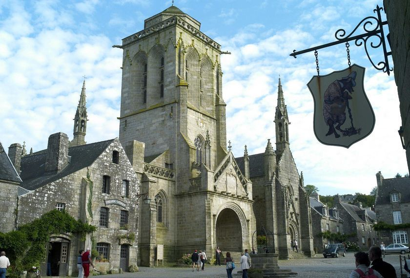 Locronan, village of art and history